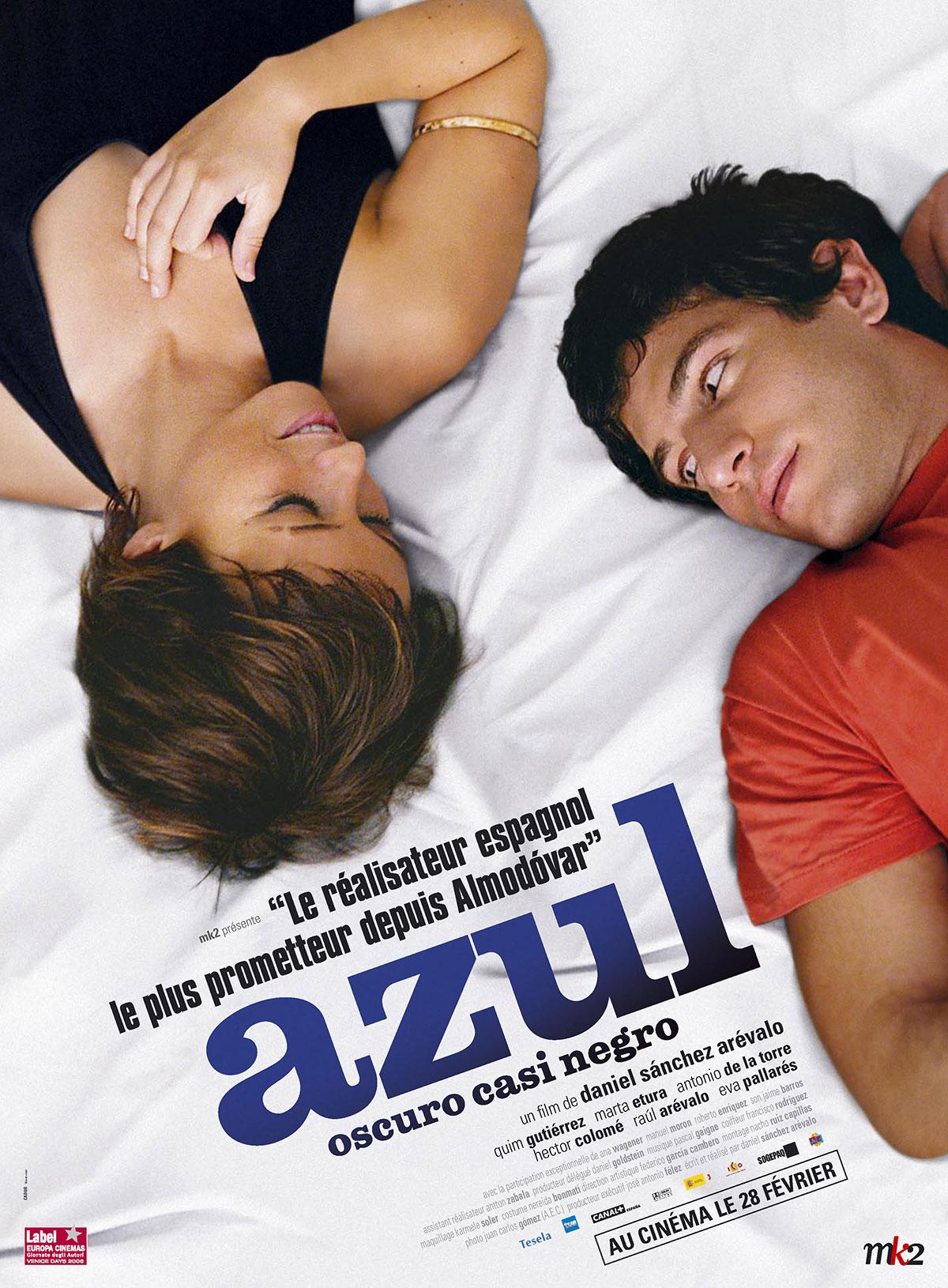 caras de Paula y Jorge en la cama de la cárcel